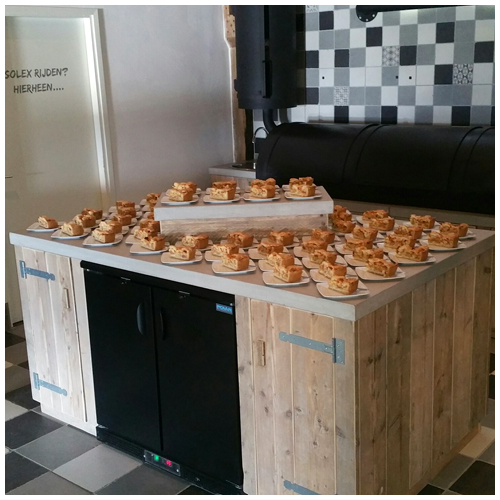 appelgebak met slagroom
